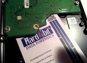 Tarjeta de visita de Hard2bit que aísla el motor del resto de la PCB.